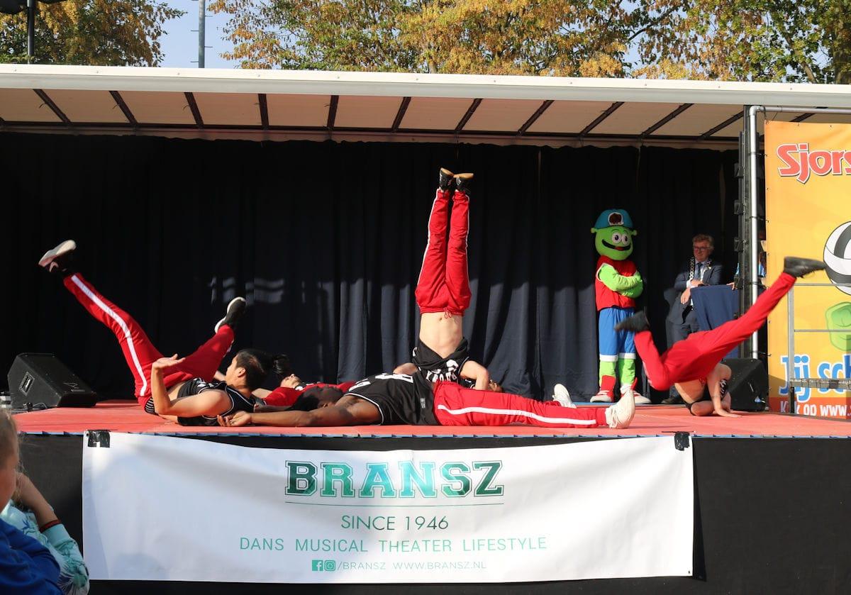 Aneesa Inaad_Opening door de Bransz Breakdance crew